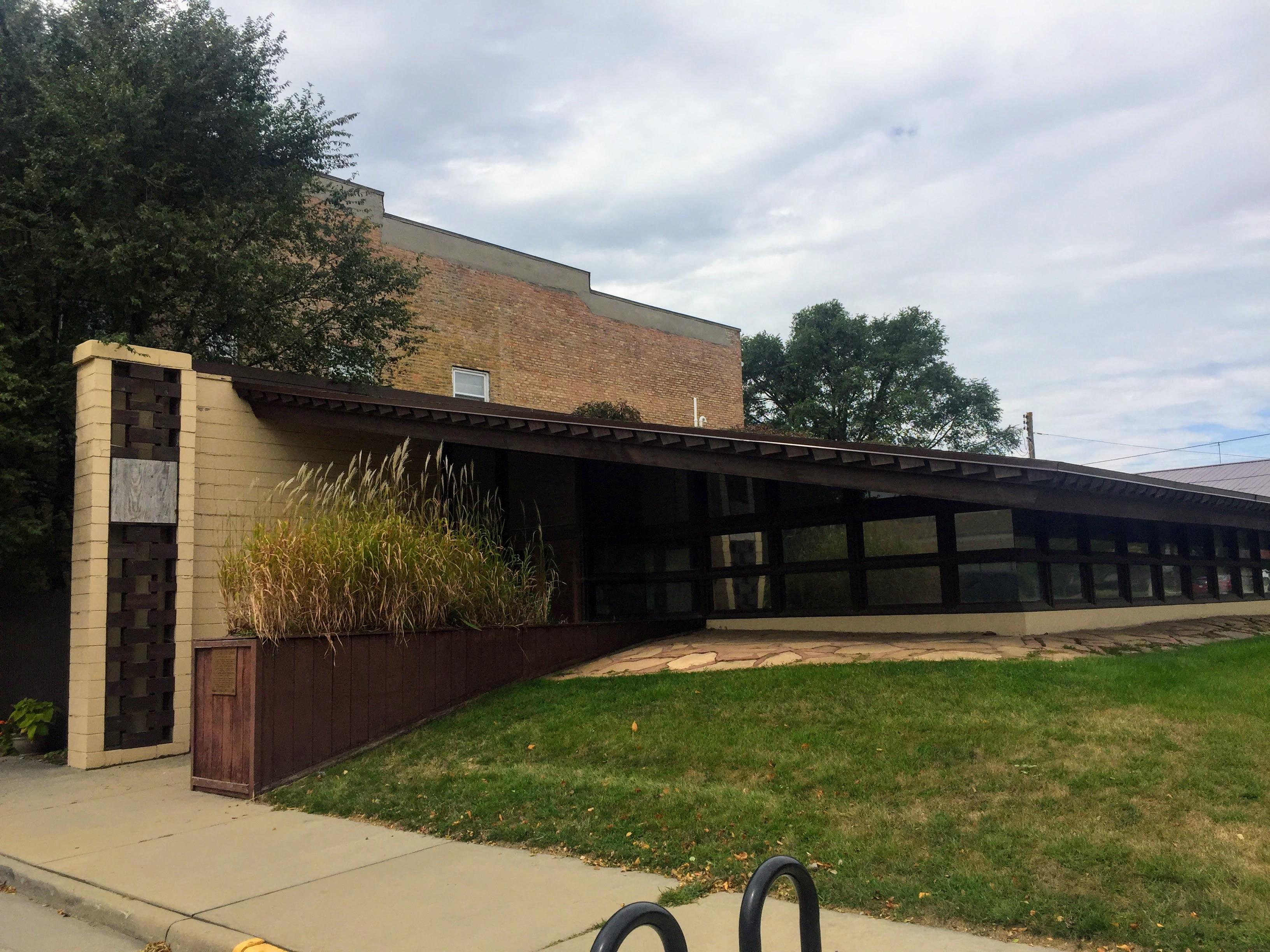 2017-09-07 Medical Office-turned Residence 01