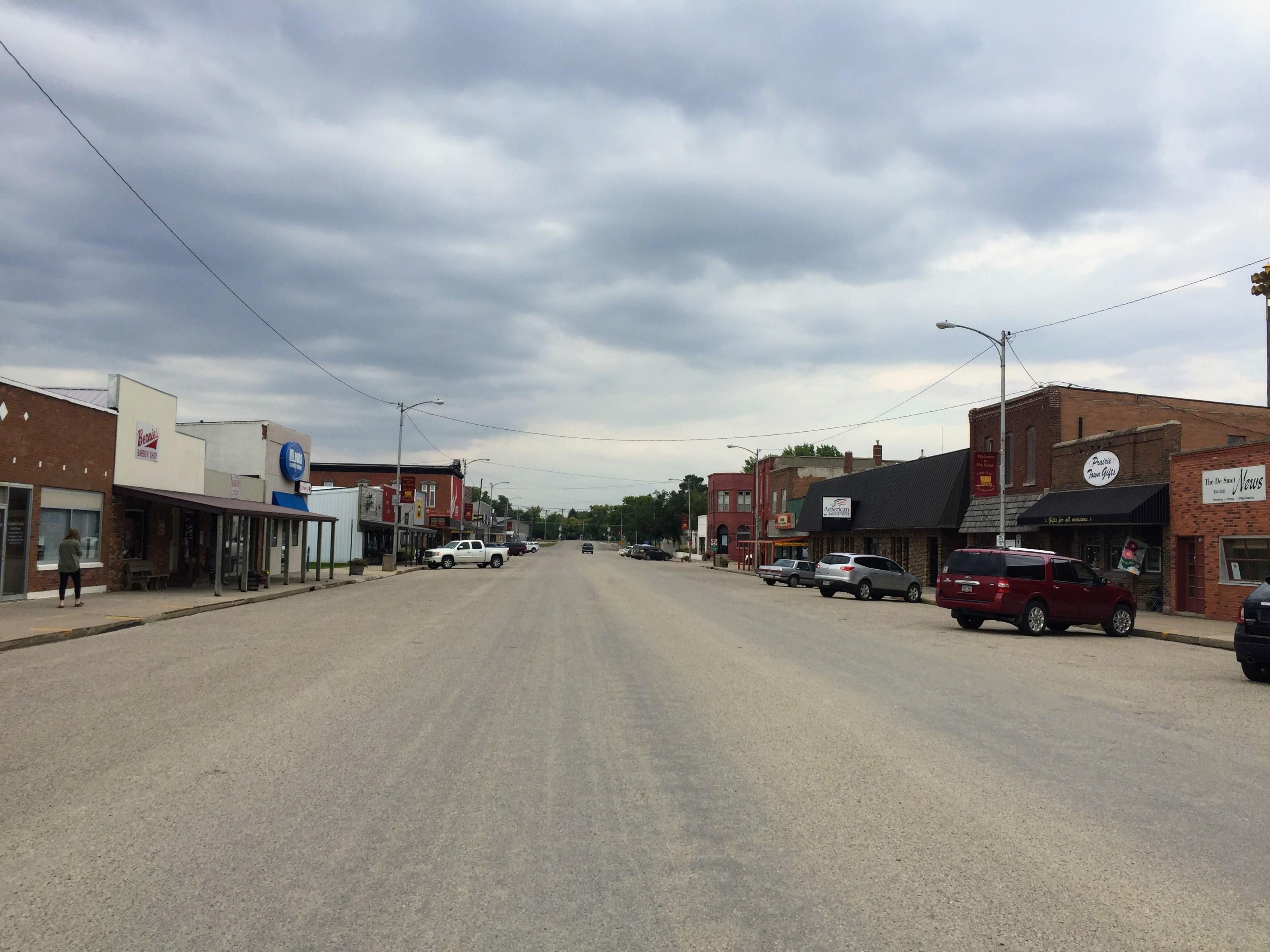 2017-09-15 LIW 12 De Smet Main Street