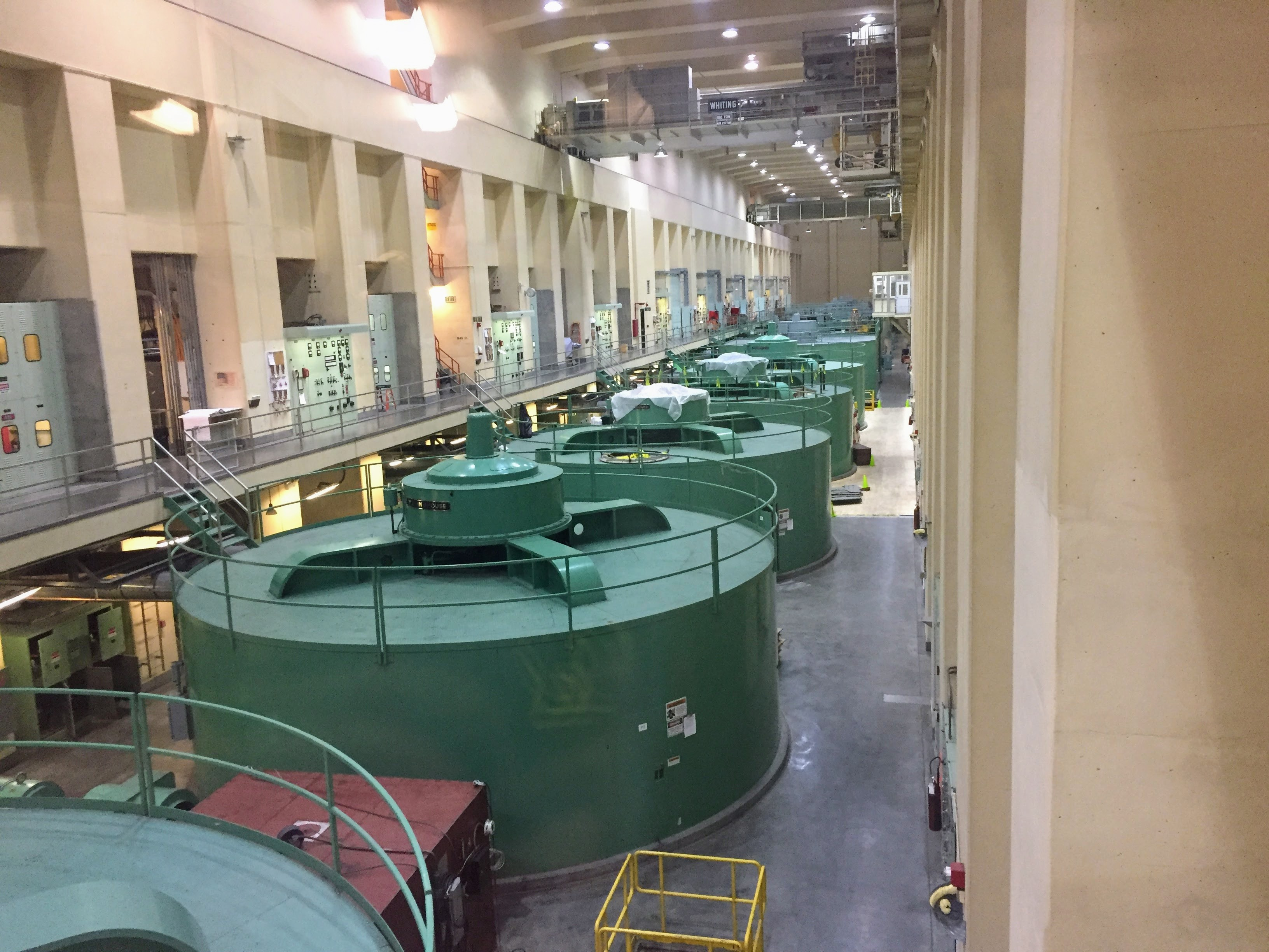 2017-09-23 Grand Coulee Dam 03 Powerhouse